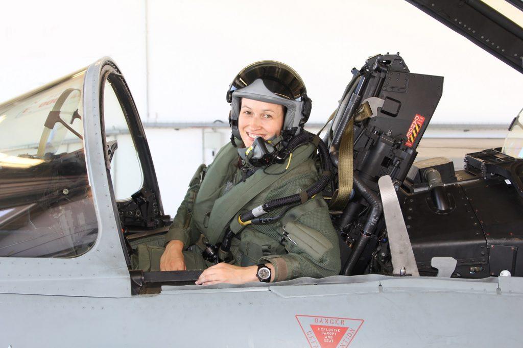 Major Nicola Baumann im Jet. (Copyright: Bundeswehr)
